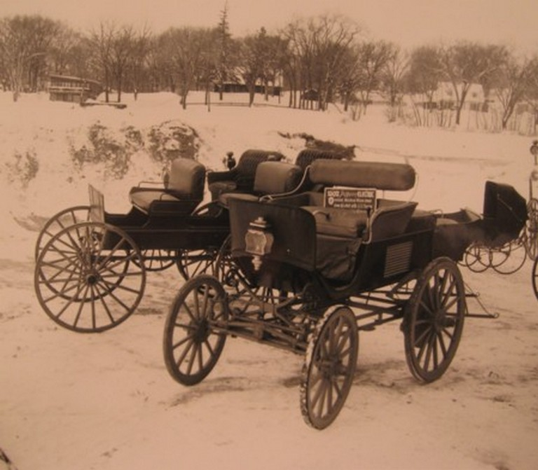 [Photographs]. ANTIQUE AMERICAN CARRIAGE COLLECTION.
