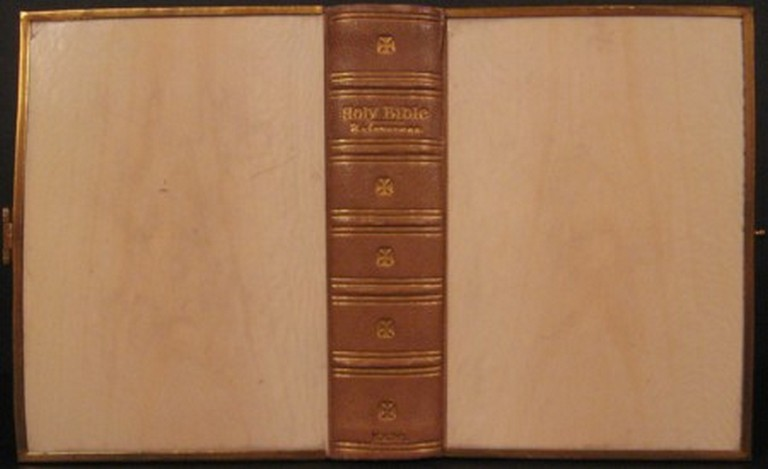 THE HOLY BIBLE CONTAINING THE OLD AND NEW TESTAMENTS. Bible in English.