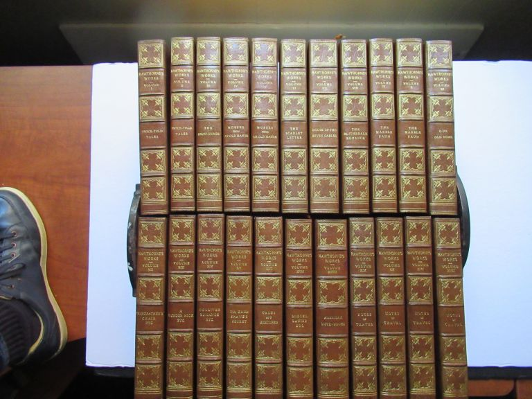 THE COMPLETE WRITINGS OF NATHANIEL HAWTHORNE. Nathaniel Hawthorne.